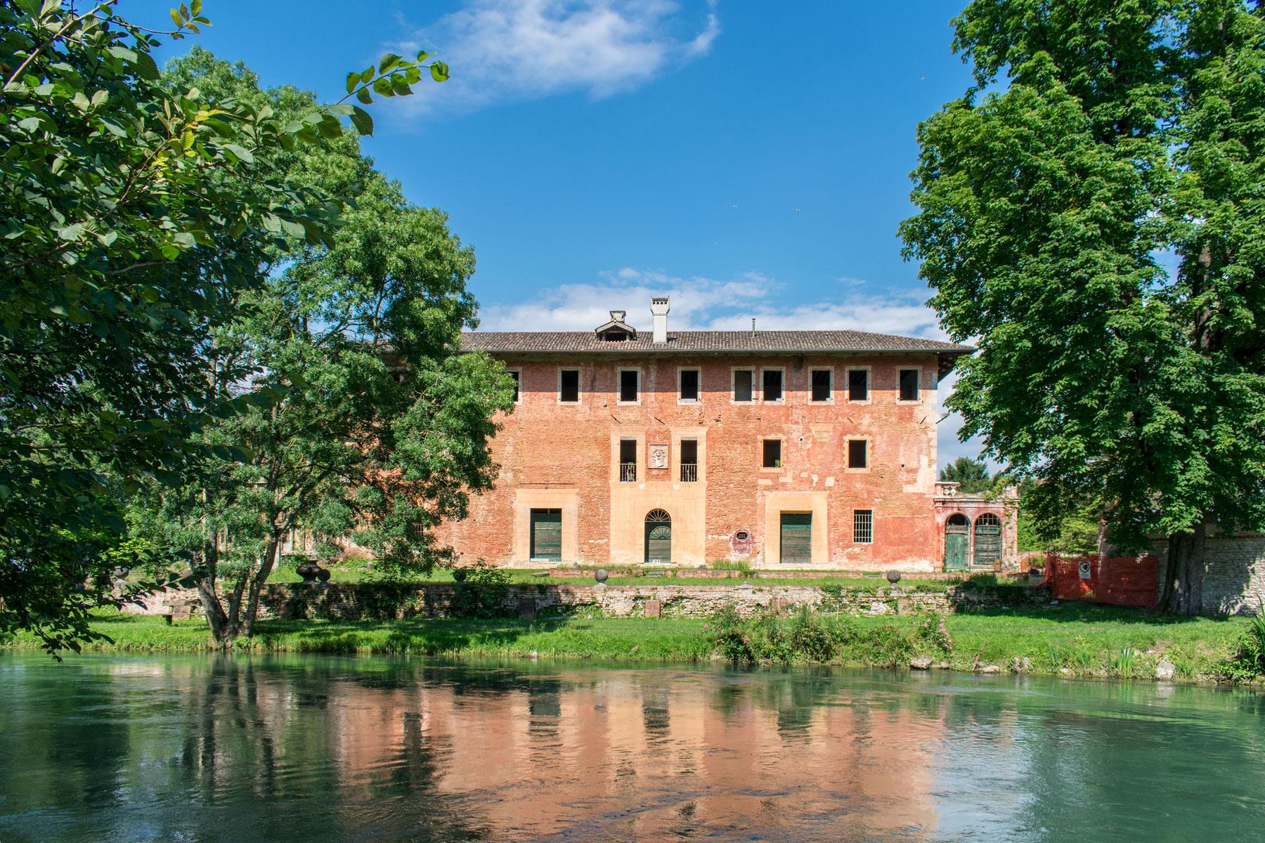 Villa Ottelio Savorgnan affacciata sul fiume Stella